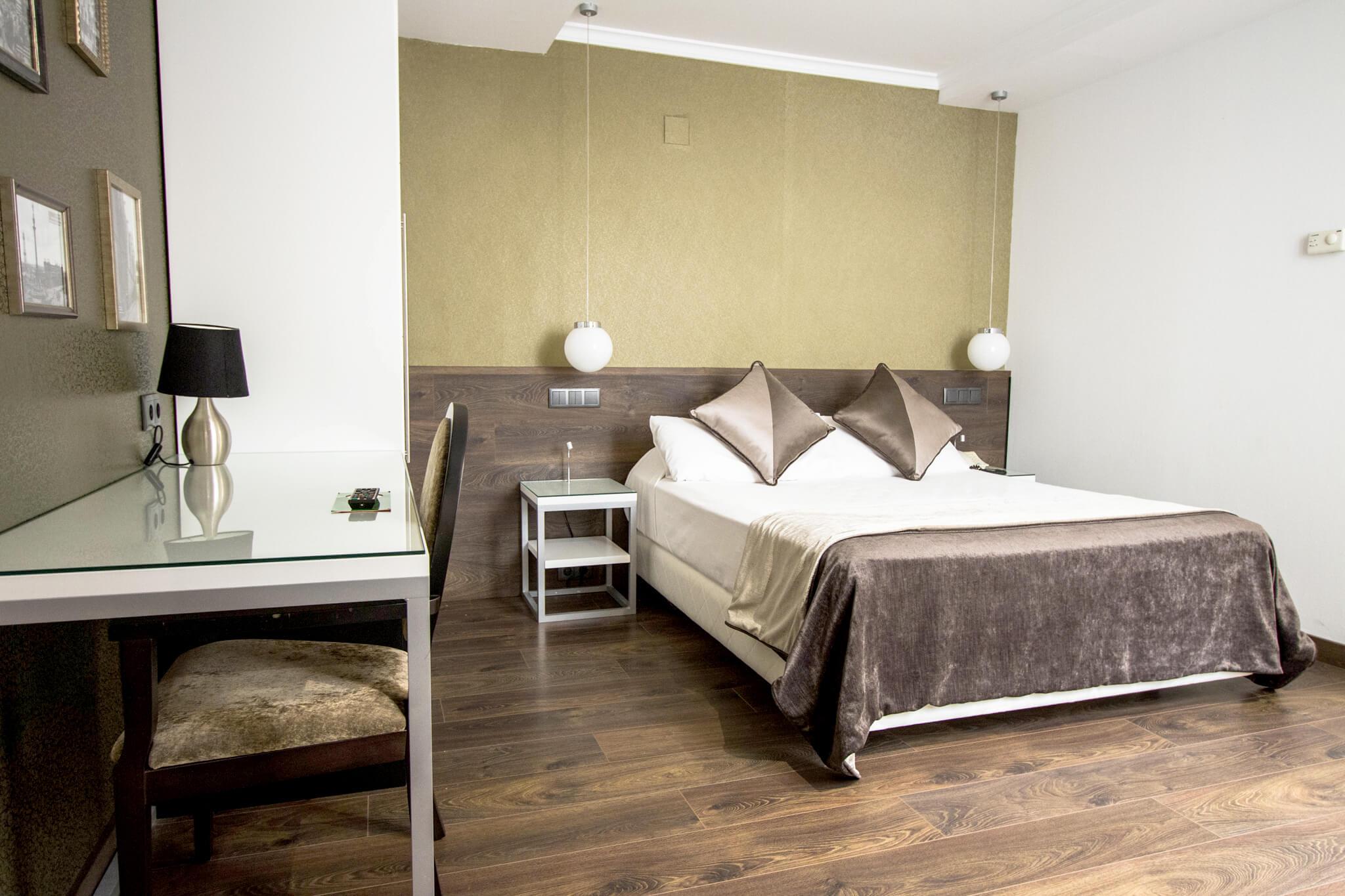 Hotel Moderno BCN*** - Official Website